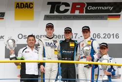 Podium: Sieger Josh Files, Target Competition, SEAT Leon TCR; 2. Bas Schouten, ST Motorsport, SEAT L