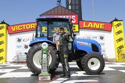 1. Sam Hornish Jr., Joe Gibbs Racing, Toyota, mit Sohn Sam Hornish III