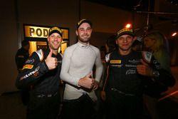 Race winners #58 Garage 59 McLaren 650S GT3: Rob Bell, Come Ledogar, Shane van Gisbergen