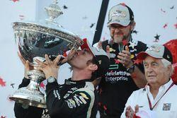 2016 Champion Simon Pagenaud, Team Penske Chevrolet celebrates with Roger Penske