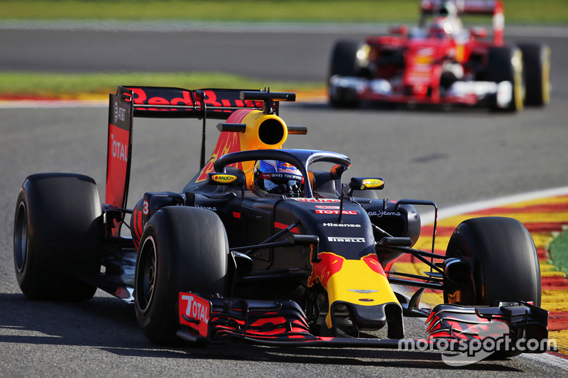 Red Bull RB12, Halo customisé
