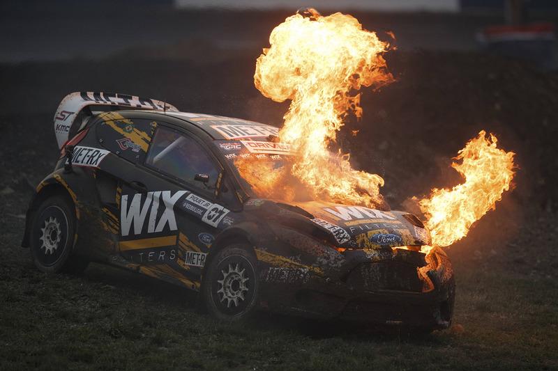 Нельсон Піке-мол., SH Racing Rallycross Ford у вогні
