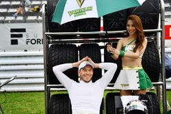 Andre Lotterer, Team Tom's with a lovely grid girl