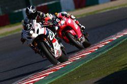 #2 Team R2CL, Suzuki: Nicloas Pouhair, Aaron Morris, Antonio Alarcos