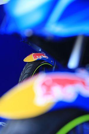 Detalle de una moto del Suzuki Red Bull Road to Rookies Cup