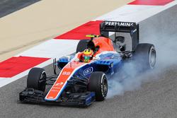 Rio Haryanto, Manor Racing MRT05 bloque ses roues au freinage
