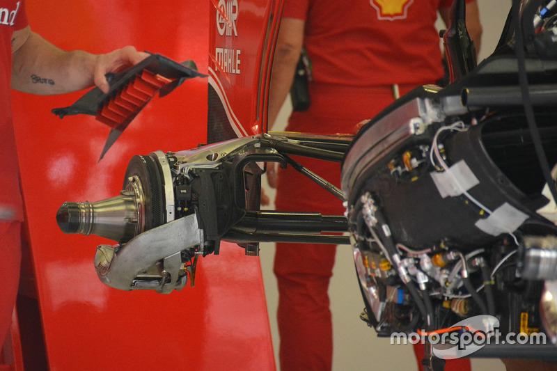 Fixation du triangle de suspension arrière de la Ferrari SF16-H