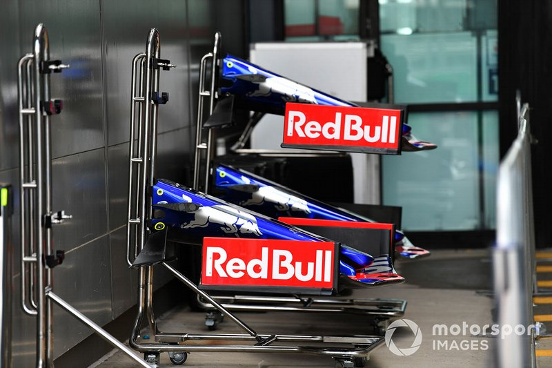 Toro Roso STR14 front-wings in the pit lane