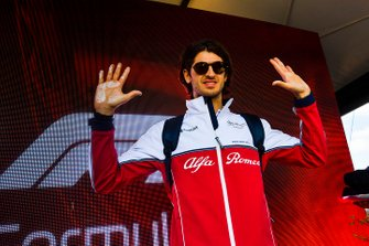 Antonio Giovinazzi, Alfa Romeo Racing hand mould
