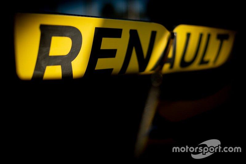 Renault R.S.19, il flap mobile dell'ala posteriore con l'incavo al centro