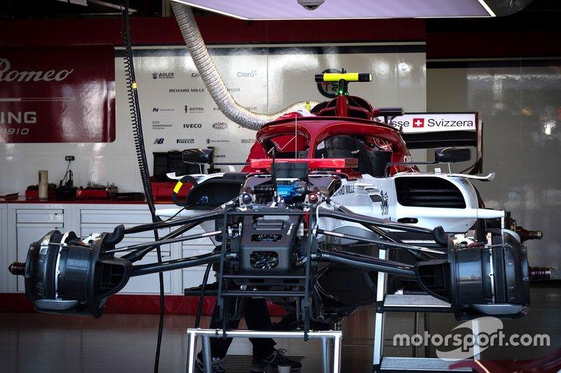 Alfa Romeo C38: suspensão dianteira