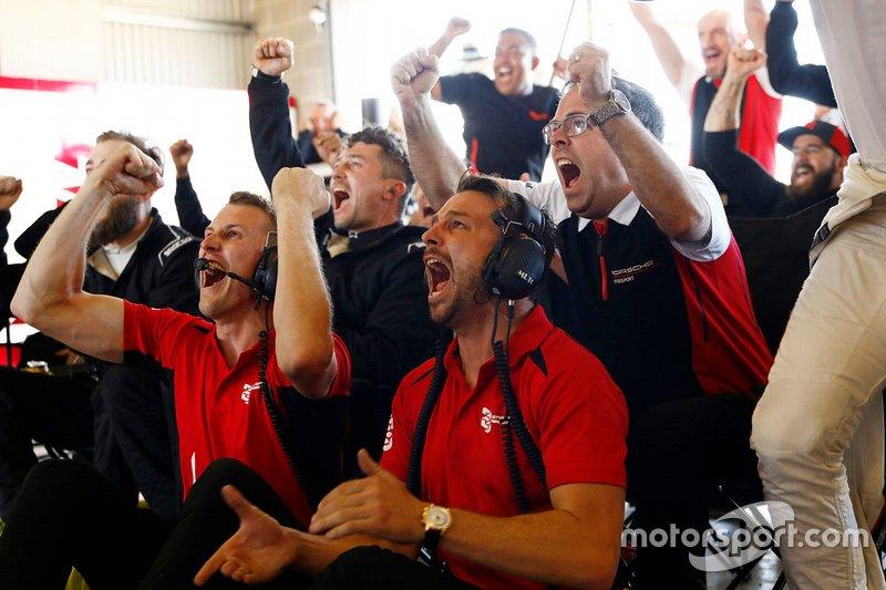 Will Bamber, Earl Bamber, EBM, Pascal Zurlinden, Porsche Motorsport celebra
