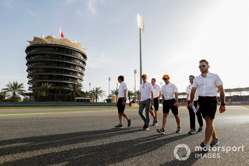 Lando Norris, McLaren walks the track