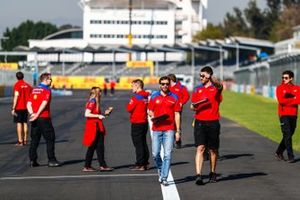 Jérôme d'Ambrosio, Mahindra Racing, on the track walk with the team