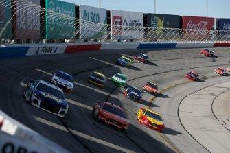 #41: Daniel Suarez, Stewart-Haas Racing, Ford Mustang Arrisv, Joey Logano, Team Penske, Ford Mustang Shell Pennzoil and Chase Elliott, Hendrick Motorsports, Chevrolet Camaro NAPA AUTO PARTS