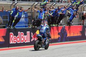Yarış galibi Alex Rins, Team Suzuki MotoGP