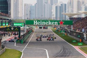 Lewis Hamilton, Mercedes AMG F1 W10, Valtteri Bottas, Mercedes AMG W10, Charles Leclerc, Ferrari SF90, Sebastian Vettel, Ferrari SF90, Max Verstappen, Red Bull Racing RB15