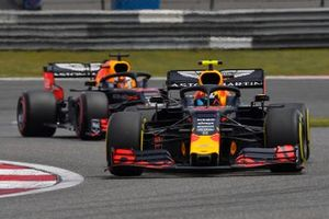 Pierre Gasly, Red Bull Racing RB15, devant Max Verstappen, Red Bull Racing RB15