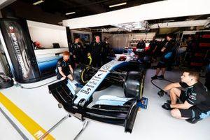 Robert Kubica, Williams FW42, dans son garage