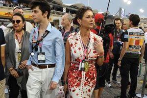 Catherine Zeta Jones on the grid