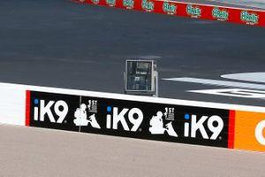 iK9 signage