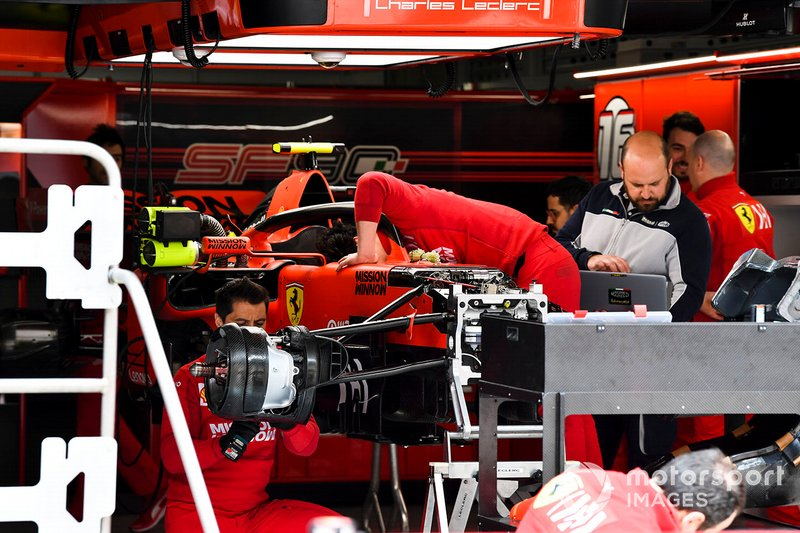Ferrari SF90 front suspension detail