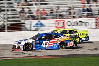 Ryan Preece, JTG Daugherty Racing, Chevrolet Camaro Kroger and Ryan Blaney, Team Penske, Ford Mustang