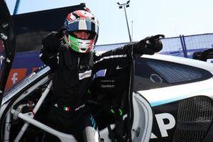 Ganador de la pole GTE, #77 Dempsey-Proton Racing Porsche 911 RSR: Matteo Cairoli