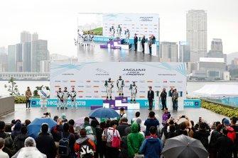 The PRO AM podium ceremony: winner Yaqi Zhang, Team China, Bandar Alesayi, Saudi Racing, 2nd position, Célia Martin, Viessman Jaguar eTROPHY Team Germany, 3rd position
