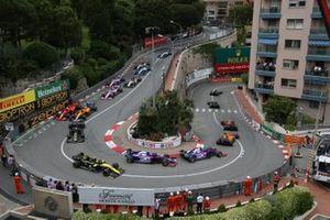 Pierre Gasly, Red Bull Racing RB15, Carlos Sainz Jr., McLaren MCL34, Daniil Kvyat, Toro Rosso STR14, Alexander Albon, Toro Rosso STR14, y Nico Hulkenberg, Renault R.S. 19