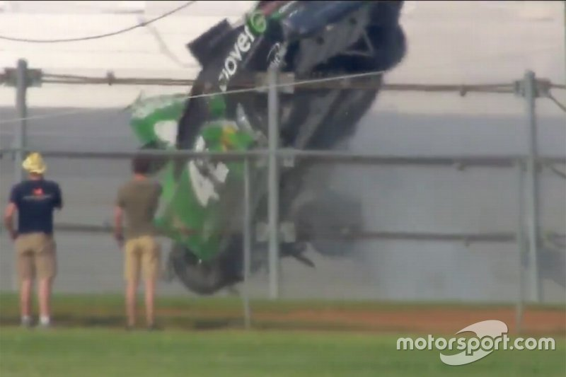 Crash - Kyle Larson, Chip Ganassi Racing, Chevrolet Camaro Clover