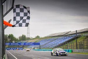 Il vincitore della gara Julien Briché, JSB Compétition Peugeot 308 TCR