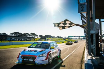 Second place Will Brown, HMO Customer Racing Hyundai i30 N TCR