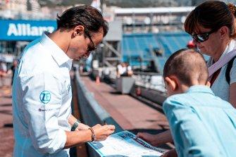 Felipe Massa, Venturi Formula E signs autographs