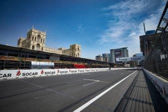 Sfeerbeeld Baku City Circuit rechte lijn