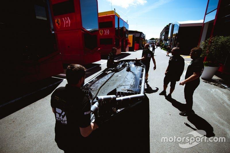 Haas F1 Team VF-19 tabanı