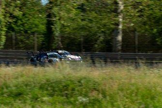 #88 Dempsey Proton Racing Porsche 911 RSR: Satoshi Hoshino, Giorgio Roda, Matteo Cairoli
