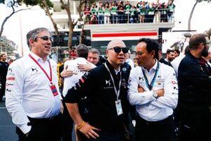 Mark Preston, Team Principal, DS TECHEETAH, Edmund Chu, DS TECHEETAH President, Ivan Yim, DS TECHEETAH Managing Director on the grid