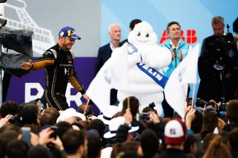 Andre Lotterer, DS TECHEETAH, 2nd position, makes his way to the podium