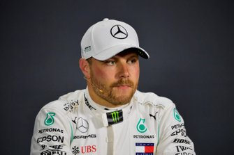 Pole man Valtteri Bottas, Mercedes AMG F1 en la conferencia