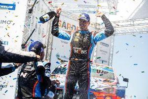 Подиум: победитель Дани Сордо, Hyundai Shell Mobis WRT