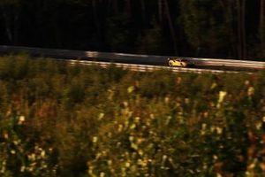 رقم 84 فريق جاي ام دبليو موتورسبروت فيراري: ليام غريفين وكوبر ماكنيل وجيف سيغال