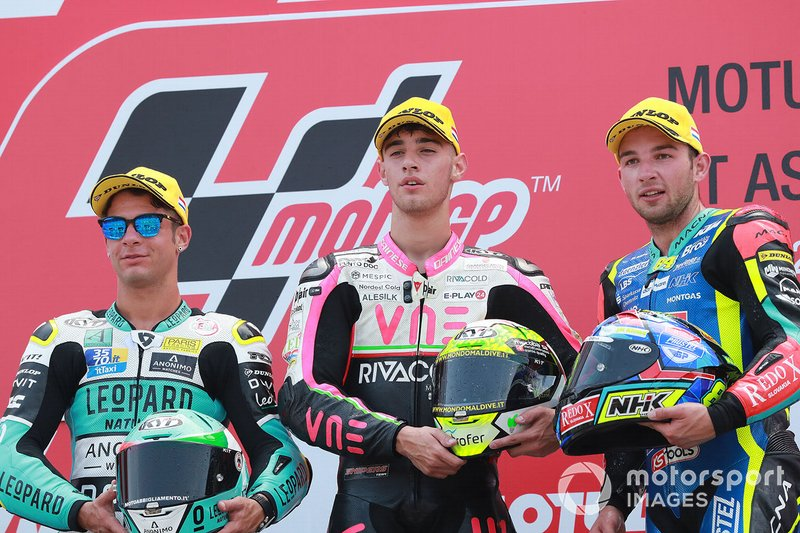 Podio: il vincitore della gara Tony Arbolino, Team O, secondo posto Lorenzo Dalla Porta, Leopard Racing, terzo posto Jakub Kornfeil, Prustel GP