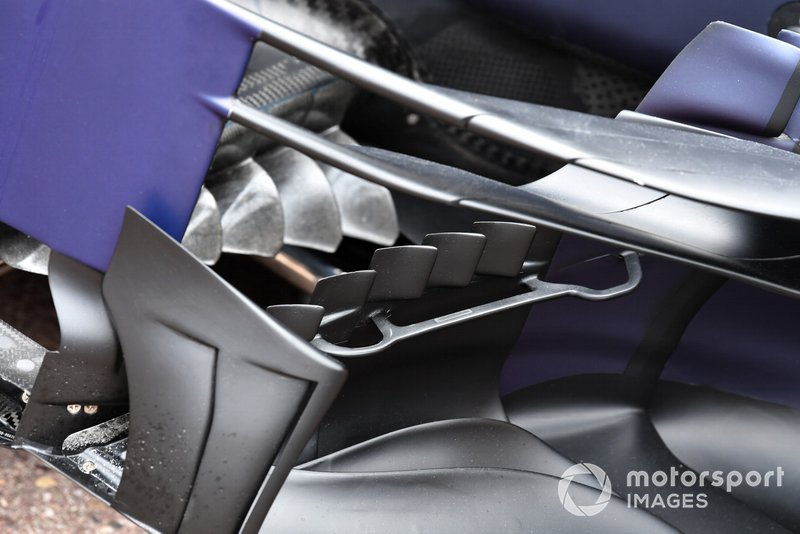 Red Bull Racing RB15 bargeboard and floor
