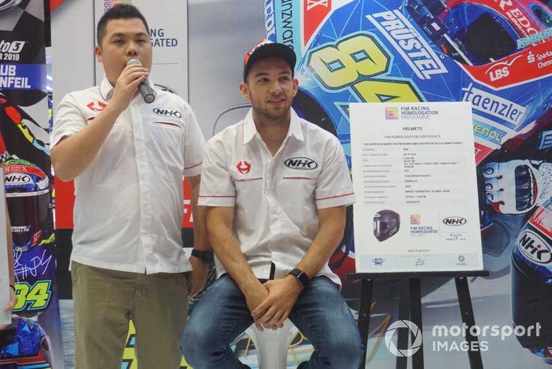 Stefanus King, General Manager Marketing NHK Indonesia dan Jakub Kornfeil, Prustel GP