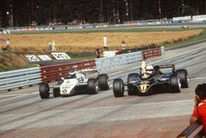Elio de Angelis, Lotus 91 just beats Keke Rosberg, Williams FW08 to the victory
