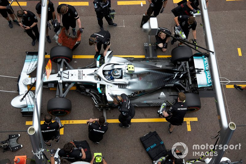 Valtteri Bottas, Mercedes AMG W10, in the pits during practice
