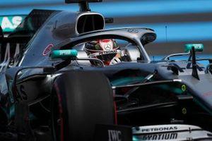 Lewis Hamilton, Mercedes AMG F1 W10, torna nel circuito