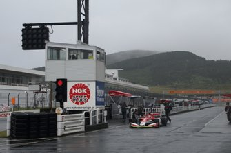 Yuji Kunimoto, Kondo Racing in the pitlane