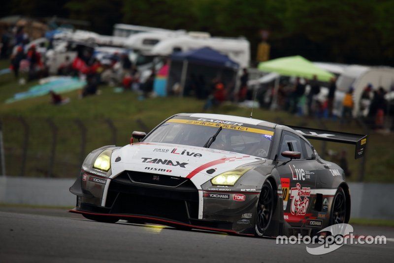 #10 GAINER TANAX triple a GT-R